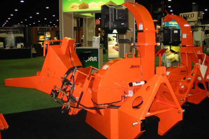 6210XT HYDRAULIC FEED PTO  CHIPPER
