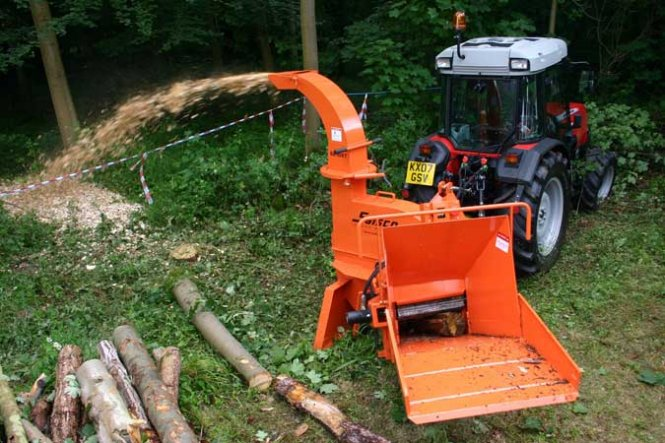 627XT HYDRAULIC FEED PTO CHIPPER